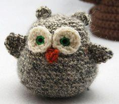 Sweet Little Owl: free pattern ♡ Teresa Restegui http://www.pinterest.com/teretegui/ ♡
