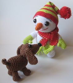 Free crochet pattern for snowman and dachshund