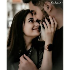 Cute Couple Selfies, Cute Couple Poses, Couple Picture Poses, Couple Photoshoot Poses, Couple Dps, Couple Hands, Romantic Couple Images, Cute Couple Images, Indian Wedding Photography Poses
