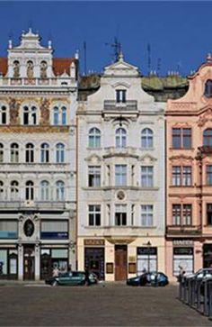 Игра Страка ярко отличалась отостальных благодаря хет-трику в Чехии Mansions, House Styles, Home Decor, Decoration Home, Manor Houses, Room Decor, Villas, Mansion, Home Interior Design