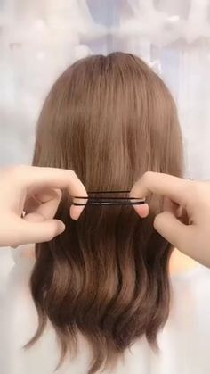 Hairstyles for wedding guests - Beautiful hairstyles for school - Easy Hair Style for Long Hair - Party Hairstyles - Hai Medium Hair Styles, Short Hair Styles, Hair Medium, Medium Hair Updo Easy, Medium Long, Easy Hairstyles For Long Hair, Elegant Hairstyles, Natural Hairstyles, Everyday Hairstyles