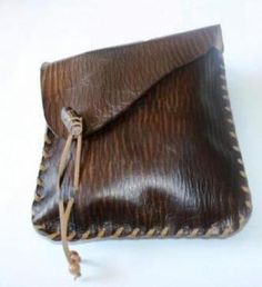 bolso de cuero hecho a mano ref. 975  cuero artesanal