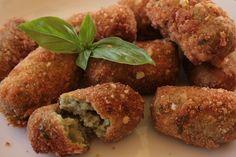 Le crocchette di zucchine sono una valida alternativa alle classiche crocchette di patate. Ecco la ricetta