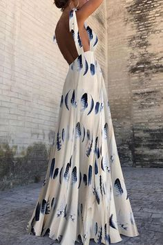 Sexy Sleeveless Floral Print Maxi Dress With a lacy blue or white bralette! Sexy Dresses, Fashion Dresses, Prom Dresses, Summer Dresses, Elegant Dresses, Summer Maxi, Fashion 2018, Womens Fashion, Beach Dresses