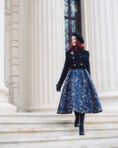 🎼I like big skirts and I can not lie 🎼 Big Skirts, Autumn Winter Fashion, Winter Style, Classic Style, My Style, Outfits With Hats, Girl Fashion, Womens Fashion, Pretty Dresses
