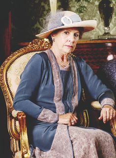 """"""" Penelope Wilton behind the scenes of s5 of """"Downton Abbey"""" """""""
