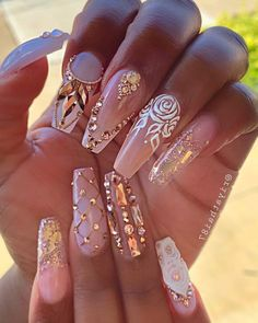 We have collected 130 + elegant Rhinestones coffin nails for you. Enjoy these beautiful nail art and welcome your Inspiration erupted! Glam Nails, Dope Nails, Fancy Nails, Bling Nails, My Nails, Bling Nail Art, 3d Nail Art, Art 3d, Matte Nails
