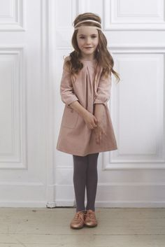 37 Charming Kids Winter Dress Ideas Christmas Gifts Give the gift of adorable outfits for your children this holiday season. While celebrating everything in the winter months, your […] Trendy Outfits, Girl Outfits, Cute Outfits, Kids Winter Fashion, Kids Fashion, Winter Dress Outfits, Dress Winter, Designer Kids Clothes, Little Girl Fashion