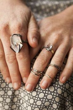 love this. I got some midi rings, but haven't found a good way to wear them with my other rings...and I'm afraid of them falling off.