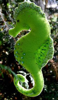*FELT ART ~ caballito de mar en fieltro Detailed felt sea horse