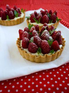 Strawberry Pie with Vanilla Pudding1 Strawberry Pie with Vanilla Pudding