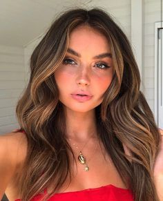 You do things… Brown Hair Balayage, Brown Blonde Hair, Brunette Hair, Hair Highlights, Caramel Highlights, Make Up Marken, Hair Contouring, Aesthetic Hair, Hair Looks