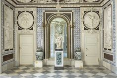 Bathing Room of the Palace on the Water, adorned with bas-reliefs with themes derived from Metamorphosis by Ovid, according to the etching by Abraham van Diepenbeeck by Anonymous in about 1686 and a marble statue of Venus emerging from the water by Francesco Lazzarini from 1780