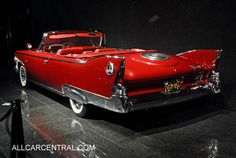 Plymouth Fury Convertible 1960, possibly one of the best examples (excluding the '59 Cadillac) of tailfin loveliness!!