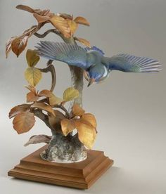 Royal WorcesterDoughty British Birds: Kingfisher and Autumn Beech