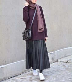 Lately, i'm really into the skirts & sneakers #hijabfashion