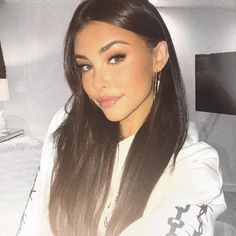 Madison beer is such a gorgeous icon