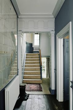 This five-floor Georgian House in the centre of Bath, England is a feat of design dedication, restored and reinvigorated by Patrick Williams. Townhouse Interior, Georgian Townhouse, Georgian Homes, Traditional Baths, Traditional Decor, Traditional House, England Houses, Georgian Interiors, House Interiors