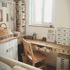 tomoさんの、カラーボックスリメイク,ダイソーリメイク,セリアリメイク,文房具収納,My Desk,のお部屋写真
