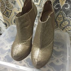 Gold Glitter Booties Gold Glitter Ankle Booties Steve Madden Shoes Ankle Boots & Booties