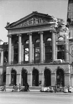 April-May 1944 – British American bombardments in Bucharest – dead, wounded, left without homes(source). August 1944 – Nazi bombardments in Bucharest R… Rare Photos, Old Photos, Mall Of America, North America, Bucharest Romania, Royal Caribbean Cruise, London Pubs, Beach Trip, Nature