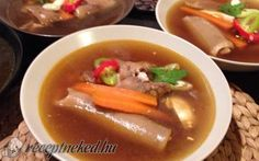 Kocsonya recept fotóval Hungarian Recipes, Hungarian Food, Thai Red Curry, Soup, Beef, Ethnic Recipes, Hungarian Cuisine, Soups, Ox