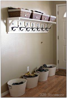 Loving Curves and Color. : ♥Ideas para decorar el recibidor y no entrar con los zapatos en casa.♥