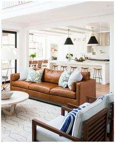 Family Room Decorating, Family Room Design, Family Rooms, Big Family, Living Room Sofa, Apartment Living, Dining Room, Living Area, Curtains Living