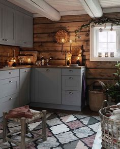 New Kitchen Cabinets Gray Wood Ideas Home Kitchens, Wood Kitchen, Rustic Kitchen, Kitchen Design, Kitchen Inspirations, Kitchen Renovation, Diy Kitchen Cabinets, Cabin Kitchens, New Kitchen
