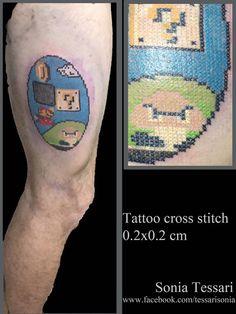 #supermario #crossstitchtattoo #tattoo  Tatuaggio Super Mario di Nintendo eseguito con tecnica punto croce / cross stitch da Sonia Tessari