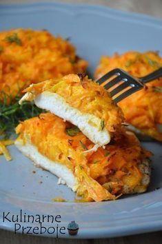 Pierś z kurczaka pod marchewkową pierzynką – to propozycja na szybki obiad w postaci soczystych kotlecików pieczonych w piekarniku i otulonych pyszną pierzynką ze słodkiej marchewki. Więcej przepisów na dania z kurczakiem znajdziecie tutaj: Kurczak – przepisy Pierś z kurczaka pod marchewkową pierzynką – Składniki: 1 podwójna duża pierś z kurczaka 2 duże marchewki 2 czubate […] Frango Chicken, Good Food, Yummy Food, Cooking Recipes, Healthy Recipes, Tortilla, Food Design, Tasty Dishes, Food Inspiration