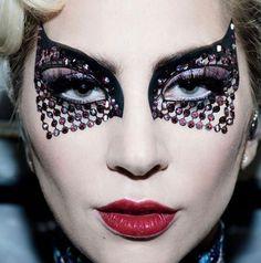 Maravilhosa a maquiagem da Lady Gaga no Super Bowl já tô vendo as versões inspireds pro nosso Carnaval que tal?