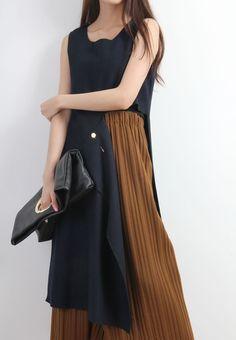 Asymmetric Cut-Out Side Wooly Long Vest