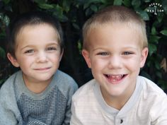 Twins. Twin photography. Toddler photography. Toddler. Boys. Children's photography