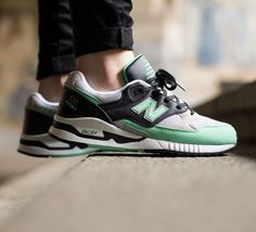 Les  meilleures  images du tableau Sneakers sur   meilleures Loafers 810fb5