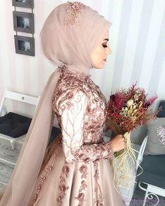 507 Likes, 33 Comments - Tual Moda ( . Bridal Hijab, Muslim Brides, Wedding Hijab, Pakistani Wedding Dresses, Modest Wedding Dresses, Wedding Gowns, Wedding Cakes, Muslim Couples, Kebaya Wedding