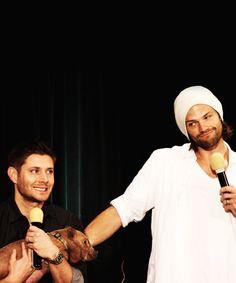 Jensen & Jared and Icarus the pig #DallasCon2013