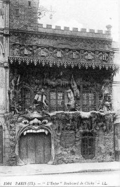 Eugène Atget. Cabaret de l'Enfer, Montmartre , ParisBoulevard de Clichy à Montmartre Cartes postales anciennes et photo d'Eugène Atget pour la dernière image.