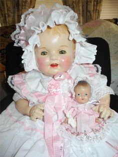 "HUGE VINTAGE COMPOSITION 26"" MAMA DOLL +7"" BABYDOLL+ SMALL PINK BLANKET"