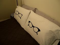 How to:  Freezer Paper Stencil Pillow Cases    love, love, love these pillow cases!  I hope I can follow the directions correctly and make the glasses turn out as fabulous as these!