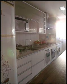 cozinha planejada com lava-louças