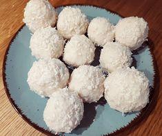 Test és Forma: Kókuszgolyó szűrleményből + kókusztej recept (hisztaminszegény, IR-barát) Krispie Treats, Rice Krispies, Grains, Food, Essen, Meals, Rice Krispie Treats, Seeds, Yemek