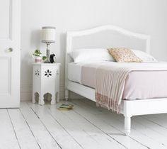 Vintage white bedroom goodness