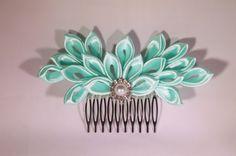 Emerald Kanzashi Hair Comb by MLavendelDesign on Etsy