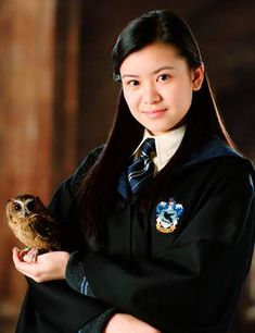 Harry Potter Ravenclaw Kids Robe from Costumebox Cosplay Harry Potter, La Saga Harry Potter, Harry Potter Girl, Images Harry Potter, Harry Potter Aesthetic, Harry Potter Quotes, Harry Potter Fandom, Harry Potter Characters, Cho Chang