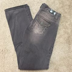 """Guess Daredevil Bootcut Low Rise Jeans Gray 27 Guess Daredevil Bootcut Low Rise Jeans Gray size 27, 3 button front close, gray distressed, like new condition hems are nice and clean no wear to it, inseam measurement is 29"""" Guess Pants Boot Cut & Flare"""