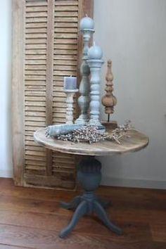 Bijzettafeltje wijntafeltje rond tafeltje oud hout sober Annie Sloan Paints, Diy Furniture Projects, Chalk Paint, Shabby, Chair, Table, House, Painting, Home Decor