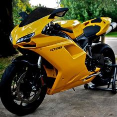 Ducati 1098 🔥 Yellow or should it be Red? Shared by Motorcycle Fairings - Motocc Ducati Motorbike, Motorcycle Bike, Ducati Monster, Motorcycle Images, Custom Sport Bikes, Futuristic Motorcycle, Suzuki Gsx, Harley, Super Bikes