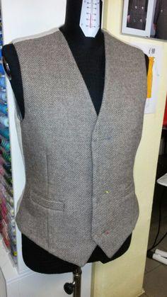 Il davanti è in lana Rosset, tessitura artigianale, les tisserands, di Valgrisenche, valle