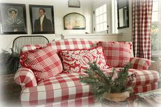 Gingham always looks cosy, makes me want to curl up with a good book
